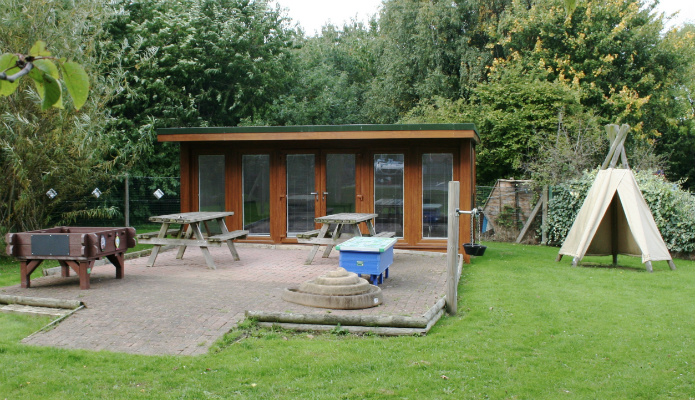 New school classroom garden room with flyover roof