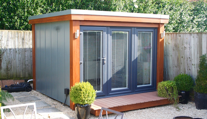 9' x 9' (2730mm x 2730mm) garden studio used for hairdressing